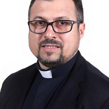 Pe. Claudemir Ortunho
