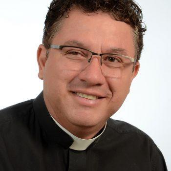 Pe. Aparecido Carlos Cezare Fernandes