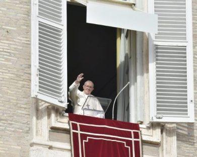 Papa: mesmo nos problemas e sofrimentos, Deus nos guia sempre