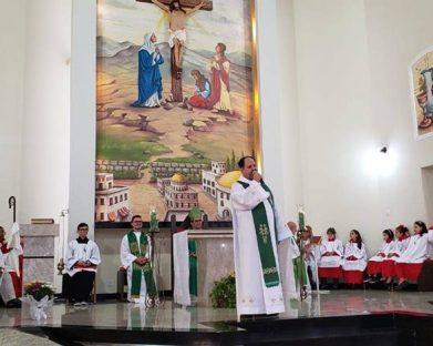 Padre Márcio Castanharo toma posse na Paróquia Nossa Senhora da Penha de Estrela D'Oeste