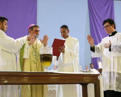 Diocese de Jales Celebrou Santa Missa Crismal com centenas de fiéis