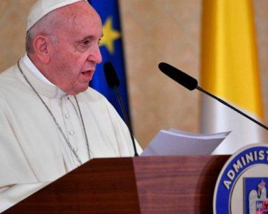 Papa faz discurso às Autoridades na Romênia