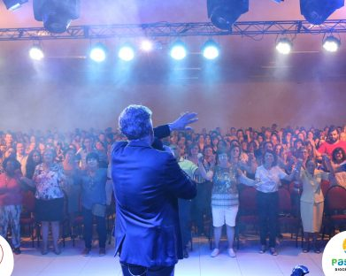 Centenas de Fiéis da Diocese de Jales prestigiaram o Show Vocacional com Antonio Cardoso