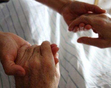 Papa: eutanásia e suicídio assistido são uma derrota para todos