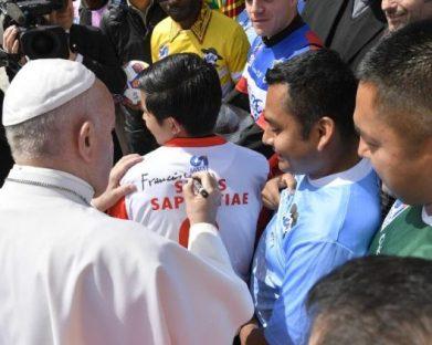 Matteo Bruni: Papa Francisco, um Pontificado contado por seus gestos