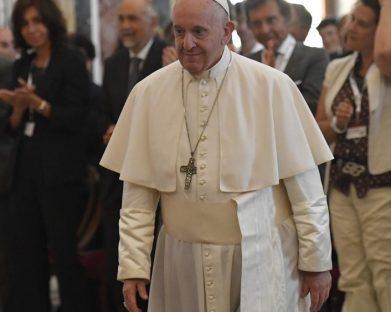 """Papa propõe a """"oncologia da misericórdia"""" contra a eutanásia"""