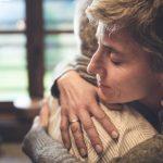Pare, pense e escolha realizar gestos de amor todos os dias