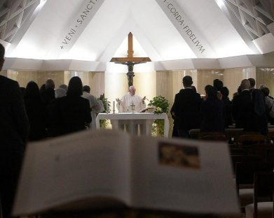 Ser livres através da obediência a Deus: a homilia do Papa na Casa Santa Marta