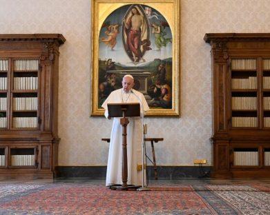 Regina Caeli: o Papa lembra a atuação das mulheres em favor dos outros