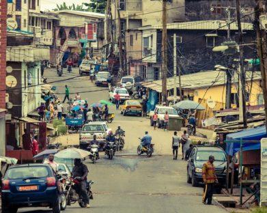 O Papa recorda crianças assassinadas em Camarões: que gestos semelhantes nunca mais se repitam