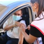 Dom Reginaldo Andrietta toma primeira dose da vacina contra a Covid-19